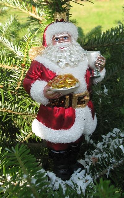 Flot Julemand til juletræet. Meget detaljeret og smukt udført.